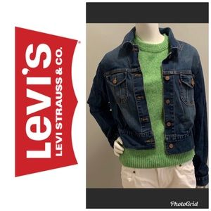 Levies cropped jean jacket in large size